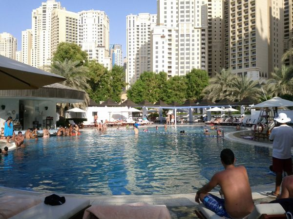 sheraton-jumeirah-beach-resort-towers-pool
