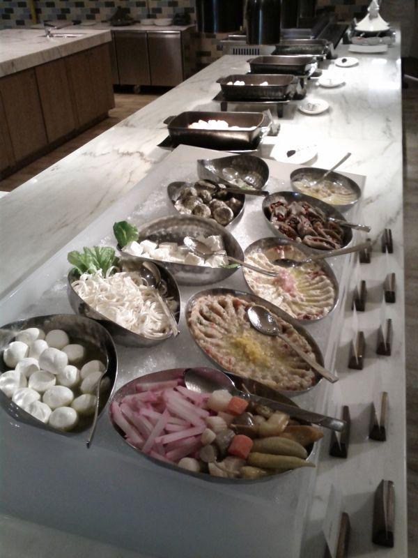 westin-abu-dhabi-golf-resort-spa-breakfast-middle-eastern-selection