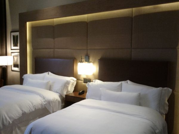 westin-abu-dhabi-golf-resort-spa-deluxe-room-111-beds-other-view