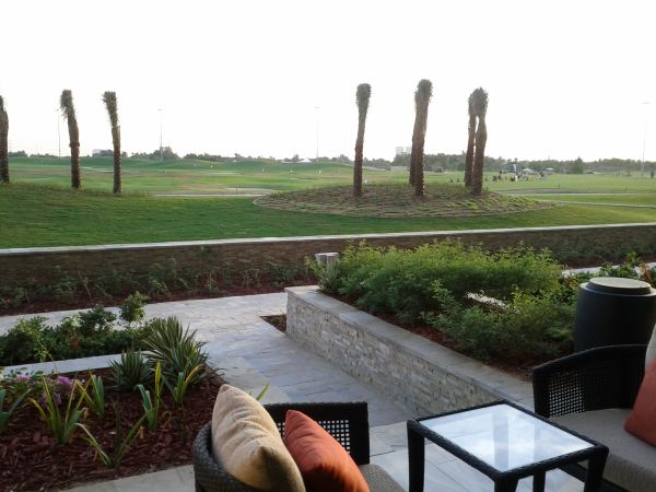 westin-abu-dhabi-golf-resort-spa-deluxe-room-111-outside-sitting-area-view