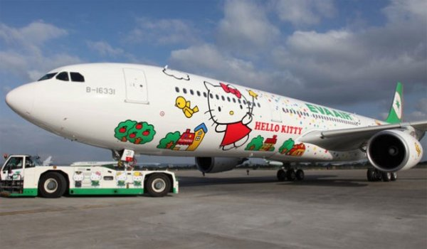 eva-air-hello-kitty
