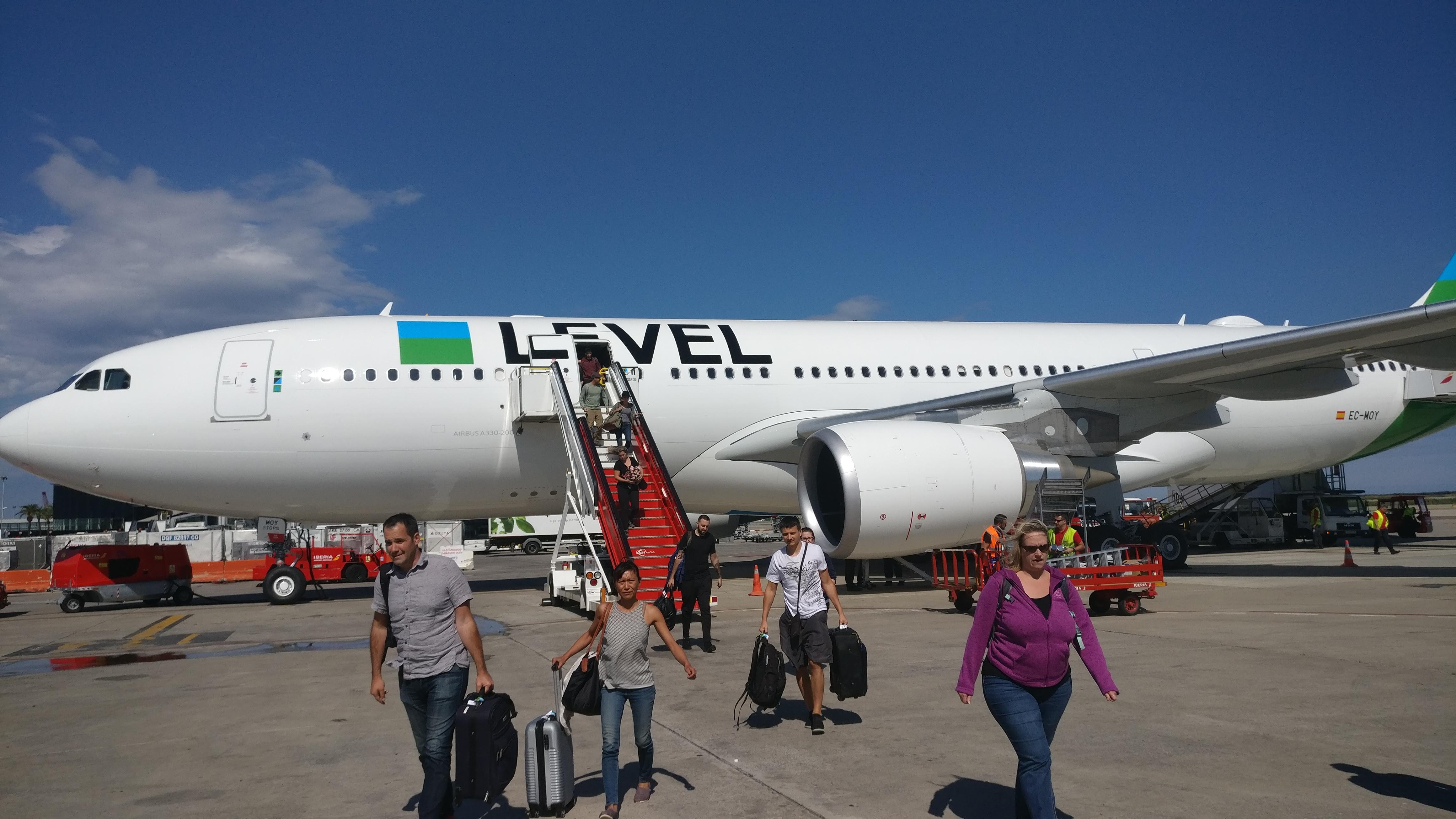 Flight Review Level Airlines Ib 2622 Premium Economy Oak
