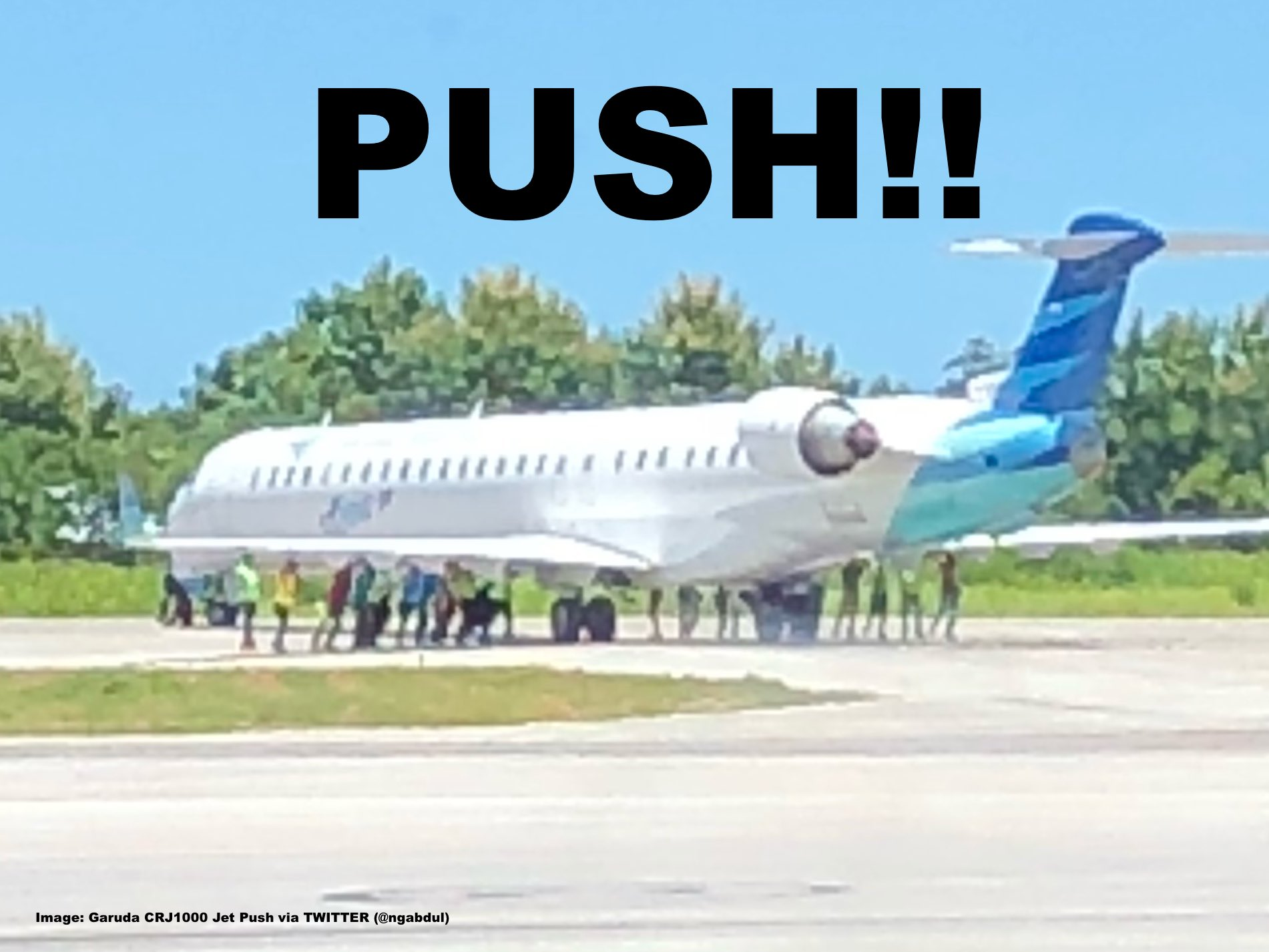 Push folks garuda indonesia flight misses turn after landing has the image already circulates in social media for the last 24 hours and shows roughly 20 people pushing the airliner back on track allegedly because the stopboris Choice Image